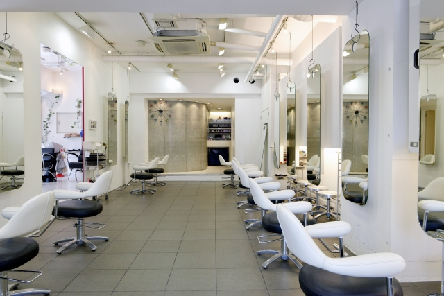 美容室(ネイルサロン)の照明環境