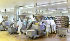 工場のホコリや粉塵の問題を解決。水洗いできる業務用エアコンのメリット